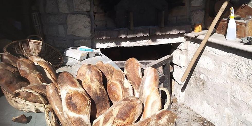 Cuisson du pain  et de la brioche au four à bois à l'ancienne  (1)  (3)