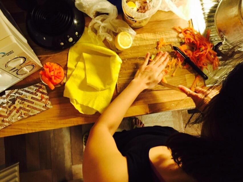 Slicing carrots