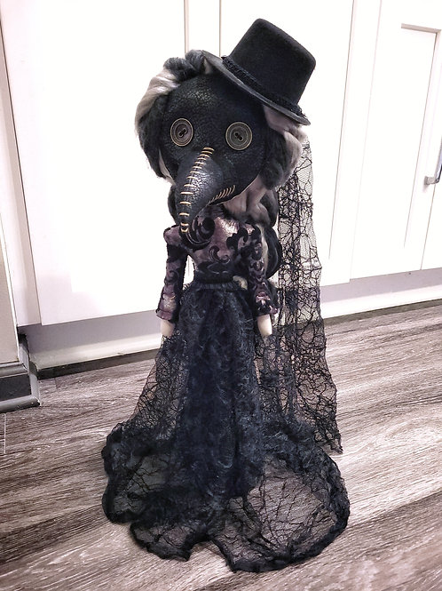 "22"" Handmade Free-standing Plague Doctor Doll (With Hat)"