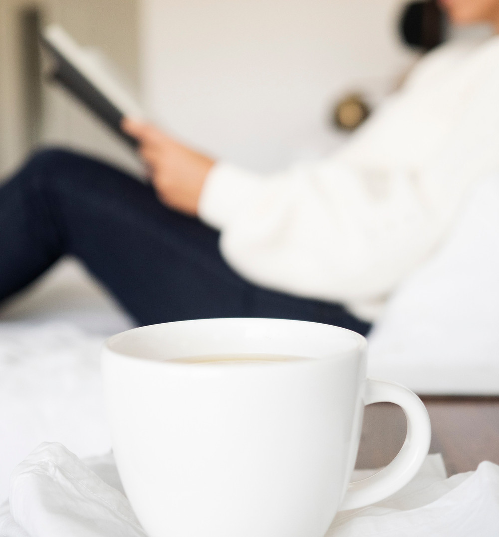 mug-in-bed-with-ipad