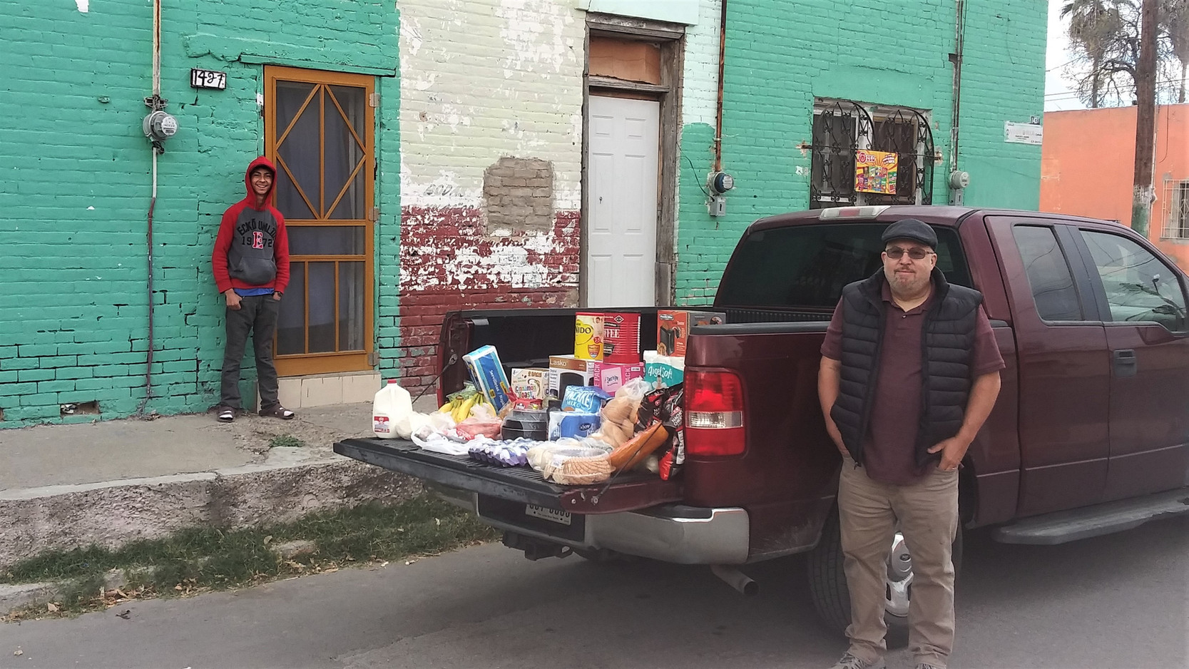 Grocery delivery to Pastor Luis & Oseas