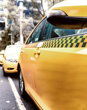 Taxi sur la rue