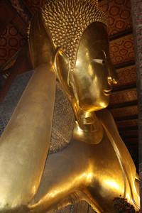 O esplêndido Buda Deitado em Wat Pho