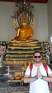 Uma das estátuas do Buda no templo Wat Pho
