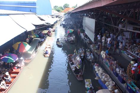O mercado flutuante
