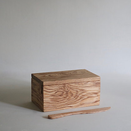 Butter Box in Olive Ash with Integral Knife