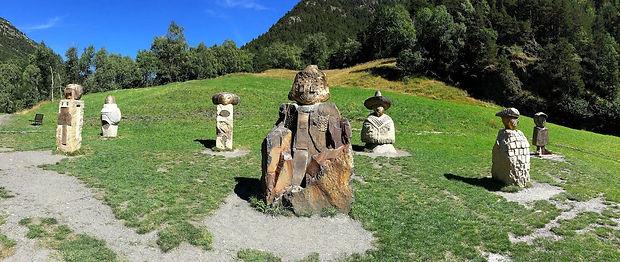 El trayecto de esta ruta se encuentra entre Ordino y la estación de esquí de Arcalís. El camino permite descubrir un valle que fue explotado por sus minas de hierro. El recorrido se extiende a lo largo de un río de montaña y está decorado con numerosas estatuas y obras de metal realizadas por artistas internacionales.