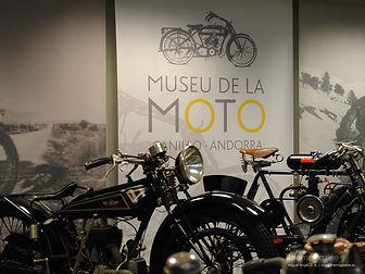 El museo rinde homenaje a la motocicleta a través de unaexposición querecogelos modelos más representativos y singulares del mercado. Las obras expuestas van des de principios del siglo XX hasta la actualidad.