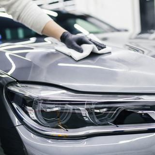 Per què confiar en una neteja professional per al teu vehicle?