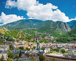 Inmortaliza los paisajes y las montañas andorranas a través de los puntos fotográficos que te proponemos. Miradores, puntos clave, merenderos, cumbres, zonas de altura...