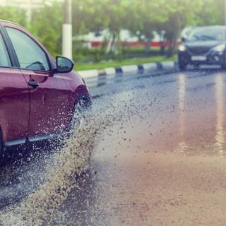 Com conduir durant una tempesta