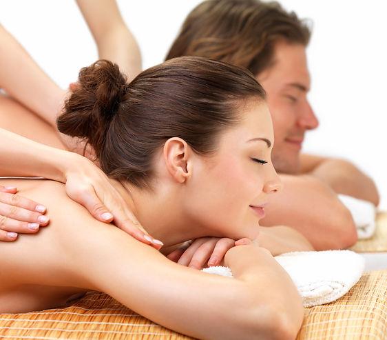 masage pareja petite noa