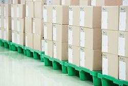 Gestionem Residus d'Aparells Elèctrics i Electrònics (RAEE) espatllats, obsolets o en desús per generar noves matèries primes i així poder reutilitzar alguns components per construir nous aparells.
