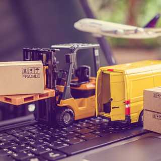 Les facilitats de contractar una empresa de transport professional