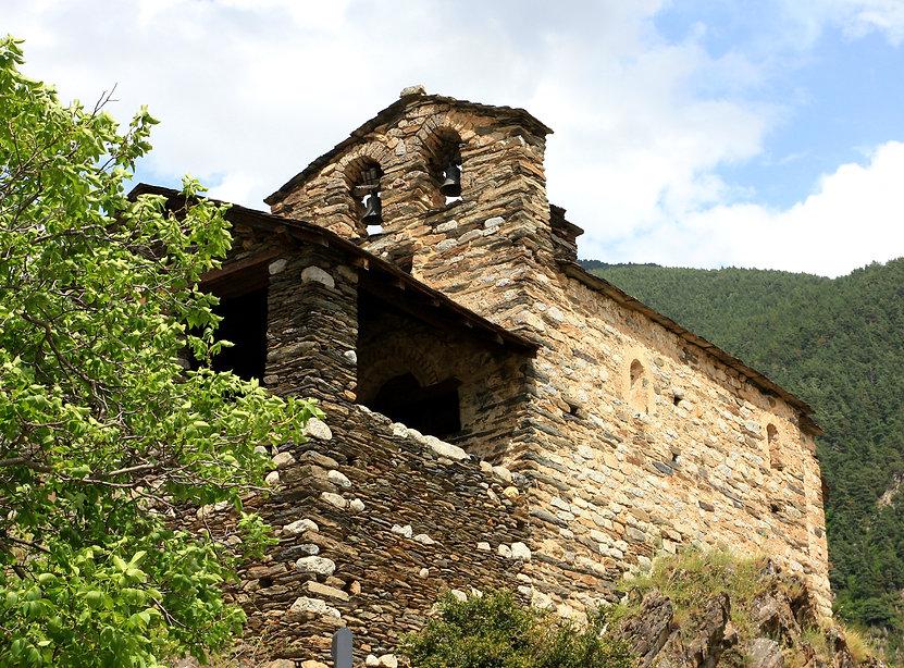 Andorra dispone de más de 20 espacios museísticos donde poder aprender diferentes aspectos de la cultura e historia del país. Encontrarás una gran diversidad de museos, centros de interpretación y otros lugares con un gran peso en el patrimonio y eldíaa día de el Principado. Gran parte de los espacios museísticos muestran antiguos oficios o trabajos que sedesarrollabanhace tiempo en Andorra y que con el paso de el tiempo han sido un punto clave parala evolución y prosperidad del país.