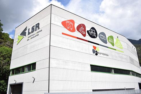Façana de Logística i Serveis del Reciclatge (LSR), empresa de grup refesa, el gestor de residus pioner a Andorra.
