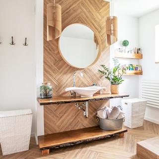 Aposta per la fusta com a material decoratiu i converteix-la en la protagonista de la llar