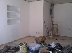 Interior de una vivienda antes de ser reformado. Alt Serveis en Andorra y la Costa Brava.