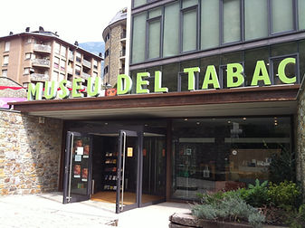 Entre los años 1909 y 1957 la manufacturación del tabaco erafundamental en la vida de los andorranos. El Museo delTabaco permite dar un paseo por este sector tan relevante.