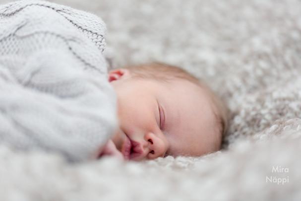 © Valokuvaus Mira Näppi | Vauvakuvaus (Tuusula, Vantaa, Kellokoski)