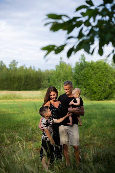 © Valokuvaus Mira Näppi   Perhekuvaus (Tuusula, Vantaa, Kellokoski)