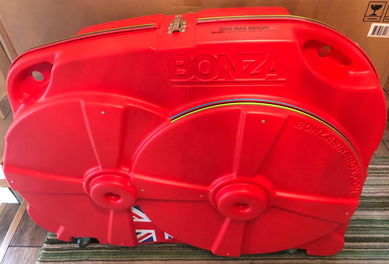 Bonza bike box front