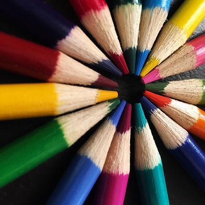 art-art-materials-bright-color-627901.jp
