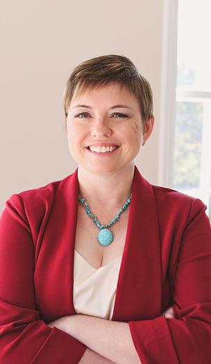 Jenni Thompson Headshot 1.jpg