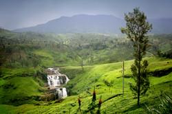 St_Claire_Waterfall_Sri_Lanka.jpg