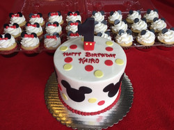 Mickey Mouse and Matching Cupcakes