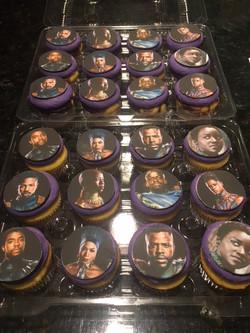 Black Panther Cupcakes