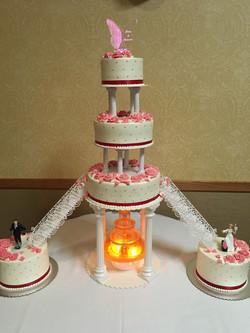 Samanthas Retro Cake with Fountain