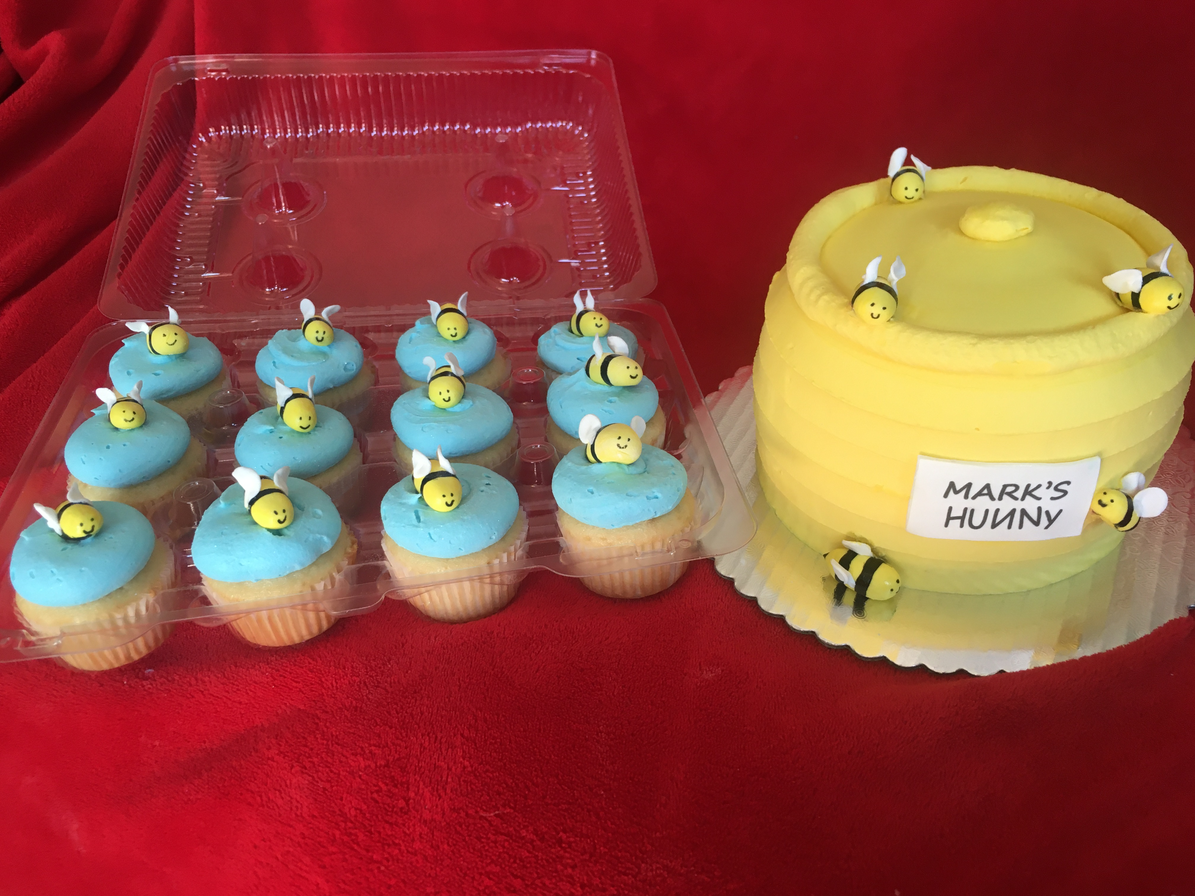 Hunny Pot and Cupcakes