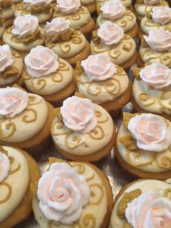 Hannahs graduation cupcakes