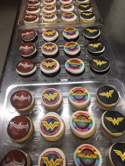 WonderWoman cupcakes