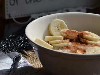 Banana Oatmeal with Cinnamon