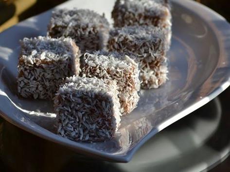 Vanilla & Chocolate Lamingtons + Videorecipe