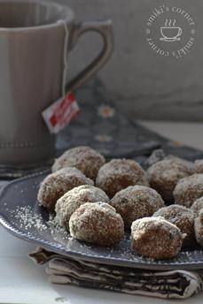 No-Bake Chia, Carob & Chocolate Bites