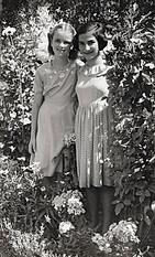1952 με την Κίττυ Ράλλη - With Kitty Ralli