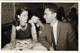 1964 με τον μέλλοντα σύζυγό της - With her husband-to-be