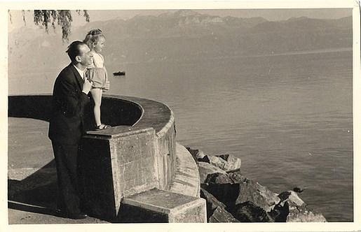 1943 Ελβετία, με τον πατέρα της - In Switzerland with her father