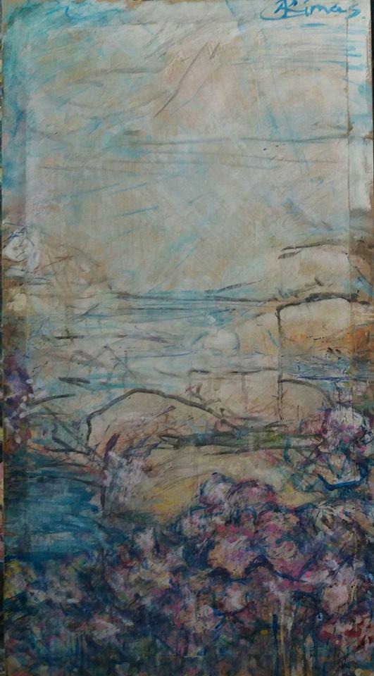 Flores y abrupto paisaje de costa