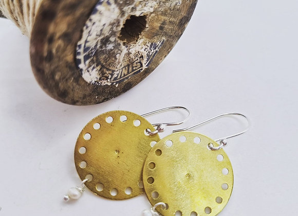 Brass Disc With Fresh Water Pearl