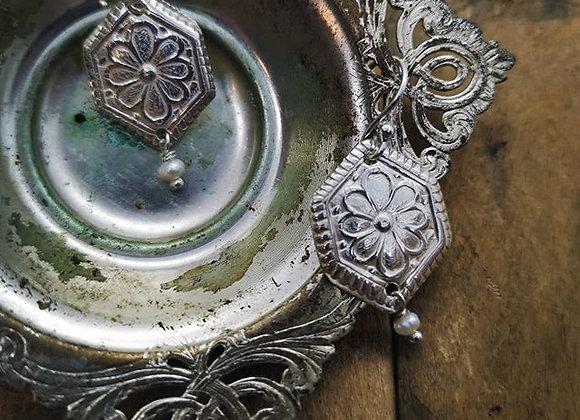 Daisy Delight & Fresh Water Pearl Earrings