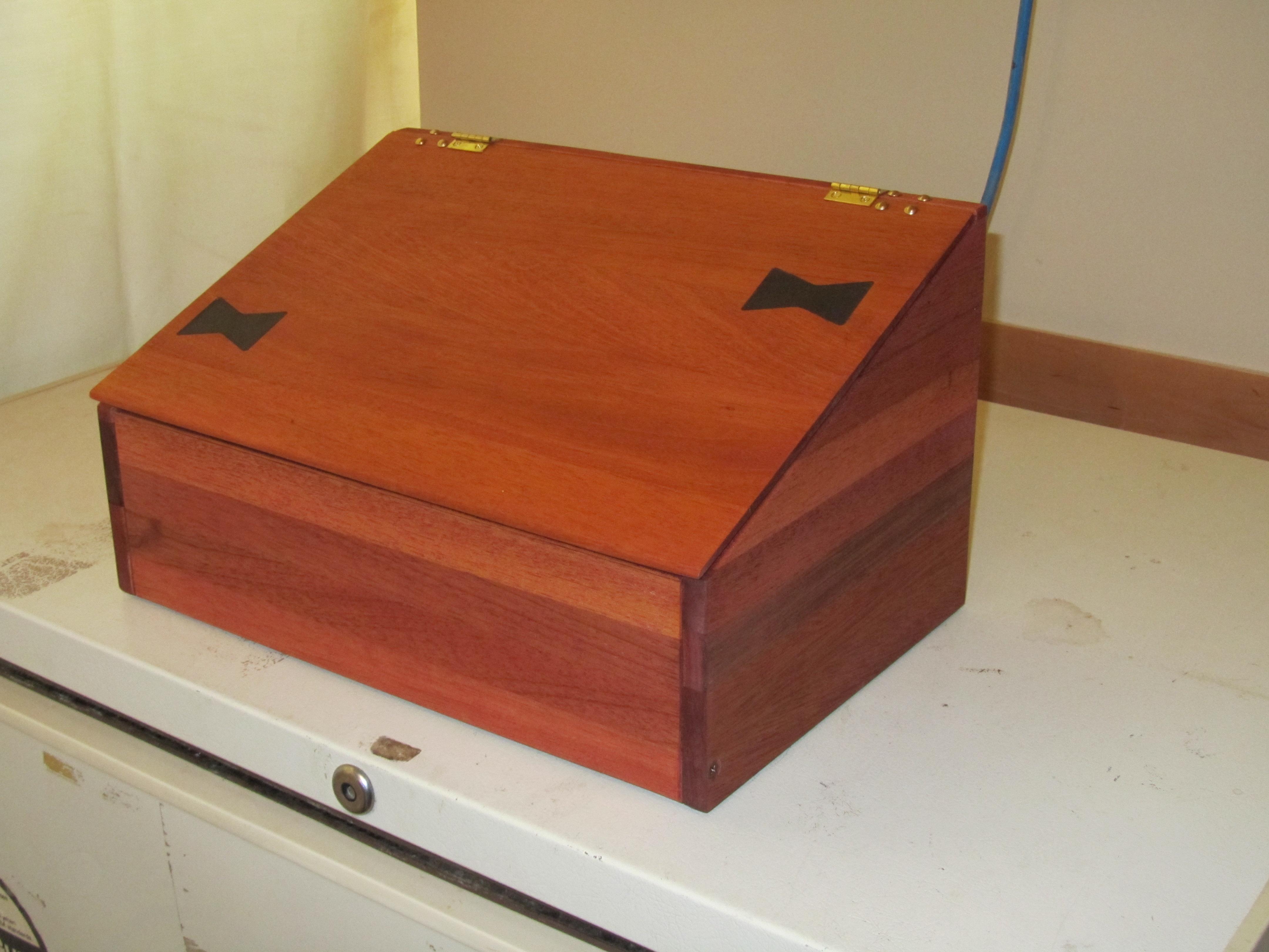 Tea box for Pierre