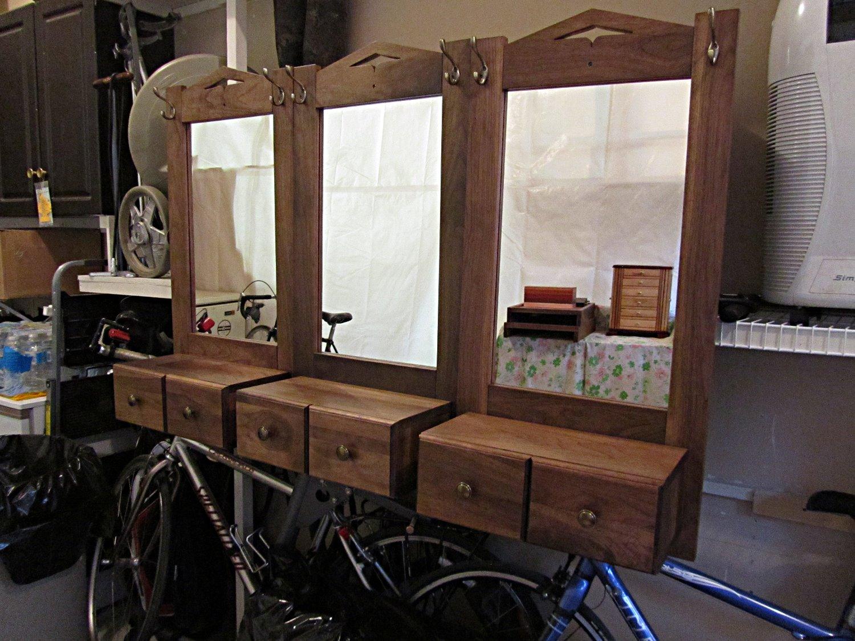 Entry desks