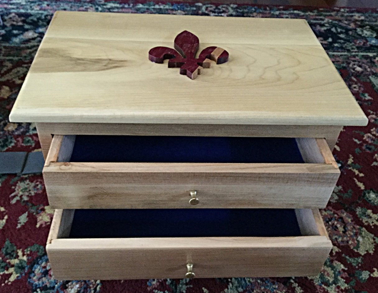 Jewelry cabinet for Hélène