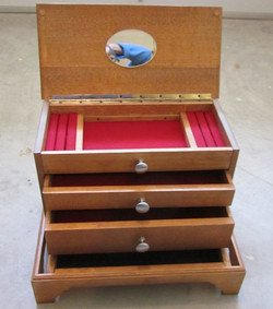 Jewelry cabinet for Alexandra