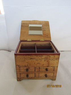 PB#252 Distress-Look Jewelry Case