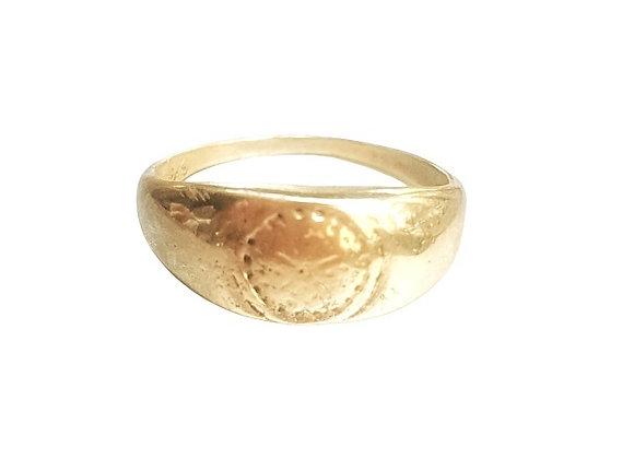 טבעת חותם זהב רקוע  CR004